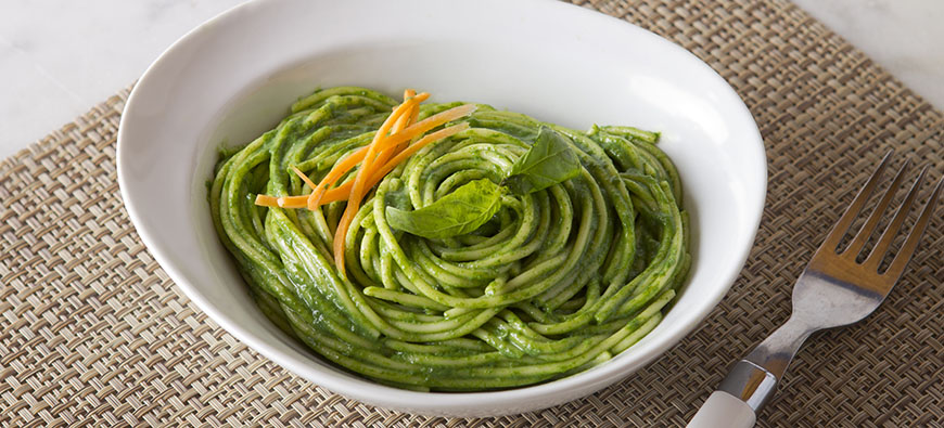 "Green ""Tallarines""  (Peruvian Green Spaghetti) - simple recipe - The Kitchen doesn't Bite - Doreen Colondres"