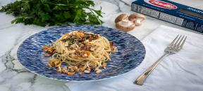 "Barilla Spaghetti with mushrooms ""al ajillo"""