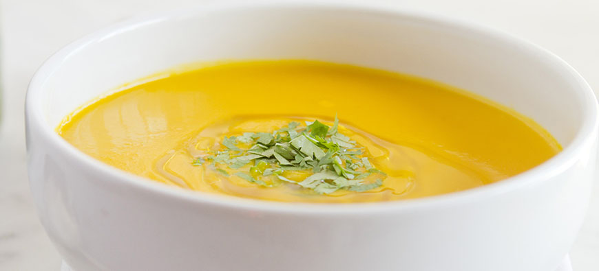 Carrot & coriander soup - simple recipe - The Kitchen doesn't Bite - Doreen Colondres