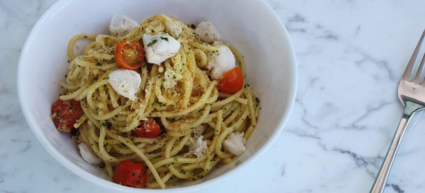 Linguini with crab, garlic and lemon  - simple recipe - The Kitchen doesn't Bite - Doreen Colondres
